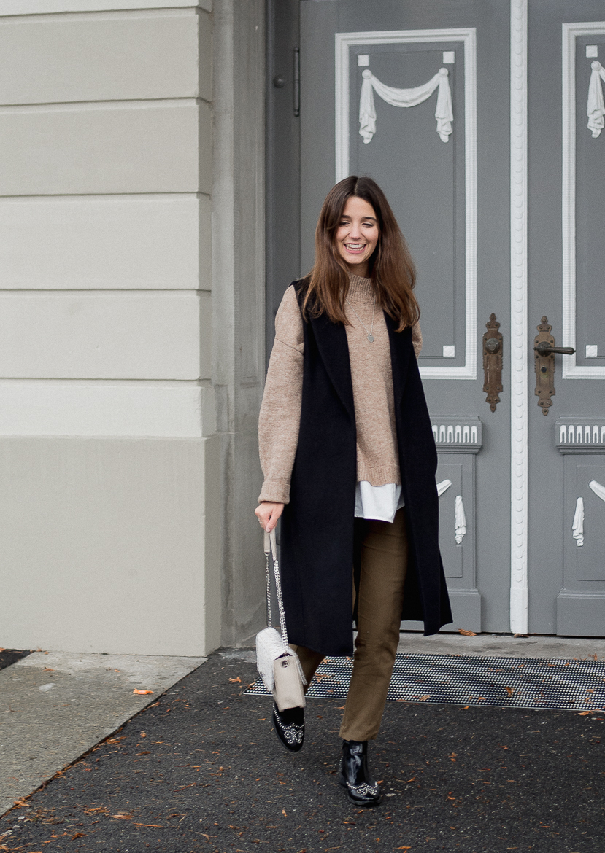 Outfit De Marquet Tasche und Schwarze Weste